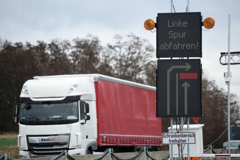 Lastwagen über 3,5 Tonnen dürfen die Waage nicht passieren.