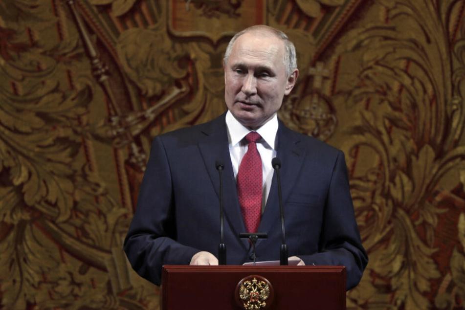 Wladimir Putin, Präsident von Russland, hält anläßlich einer Neujahrsgala im Bolschoi-Theater eine Rede.