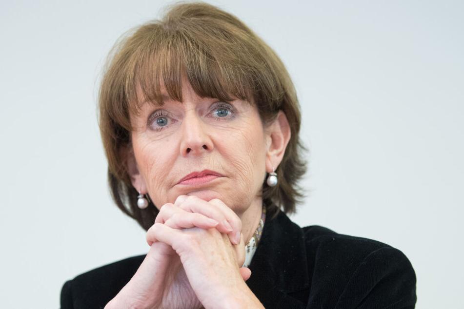 Kölns Oberbürgermeisterin Henriette Reker (parteilos) stoppte das Verfahren.