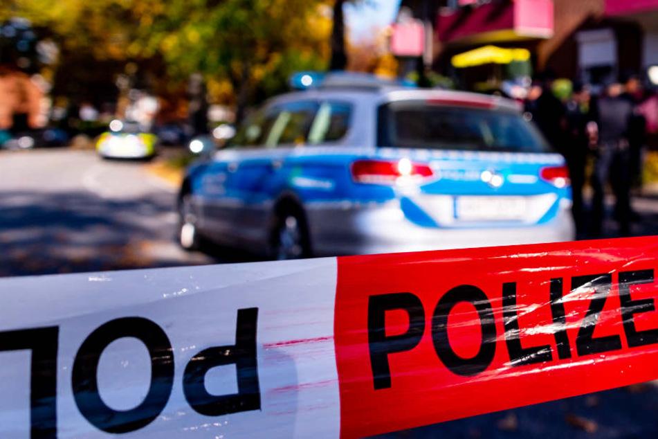 In Bayern wurden zwei Menschen bei einer Messerattacke schwer verletzt. (Symbolbild)