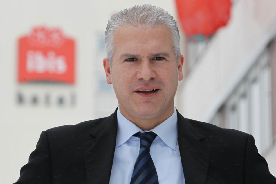 """Antoni Knobloch (47), General Manager des """"Ibis Hotel Dresden Zentrum""""."""