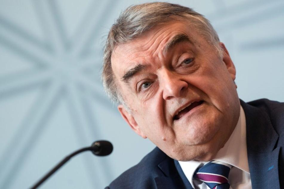 NRW-Innenminister Reul hat nun mehrere Sonderermittler beauftragt.