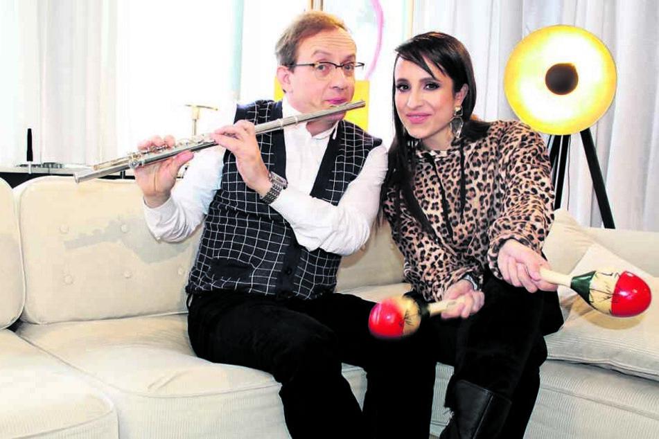 """Wigald Boning (52) und Stephanie Stumph (34) freuen sich auf viele neue Gäste im """"Privatkonzert""""."""