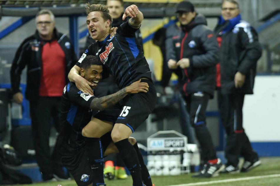 Der Ausgleich zum 1:1 wurde von den Paderbornern gebührend gefeiert.