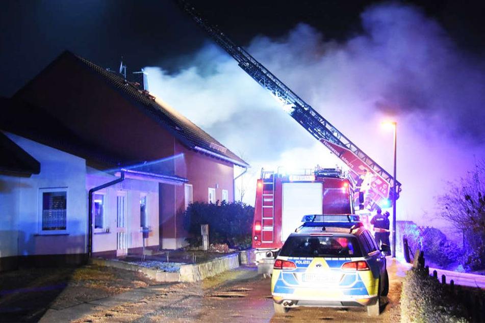 Bei einem Brand in einem Schuppen in Görlitz ist am Donnerstagabend ein hoher Sachschaden entstanden.