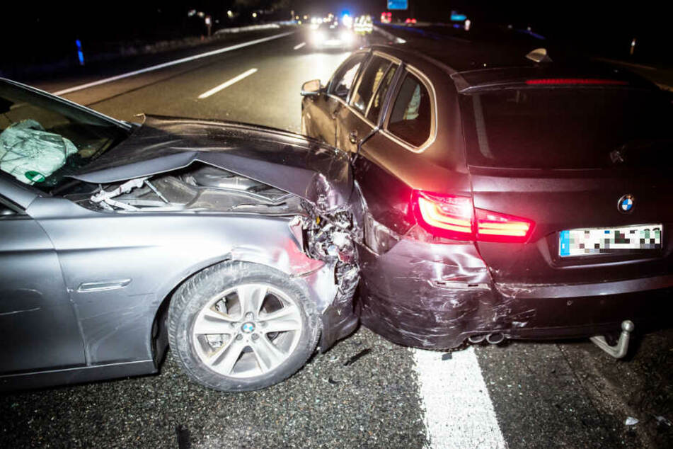Die Polizei musste auf der A93 einen flüchtenden BMW-Fahrer seitlich rammen.