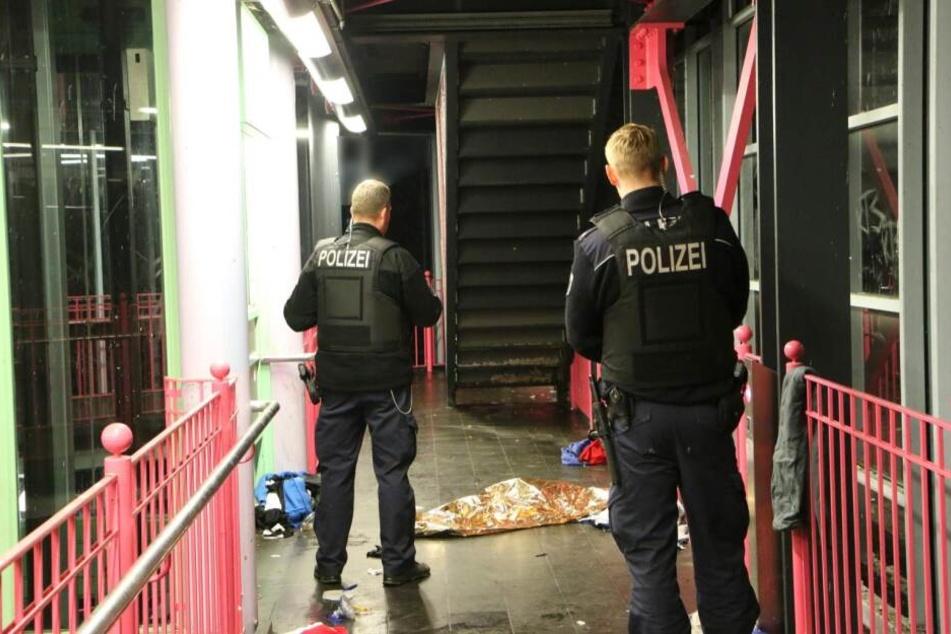 Ein Mann wurde leblos in einer Berliner U-Bahnstation gefunden.
