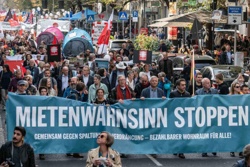 In mehren deutschen Städten wird am Samstag gegen die Mietenwahnsinn demonstriert.