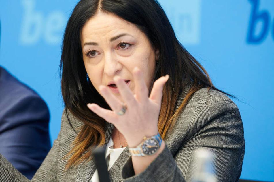 Spahn und die Berliner Senatorin Dilek Kalayci (SPD) wollen die Bevölkerung über die aktuelle Lage informieren.