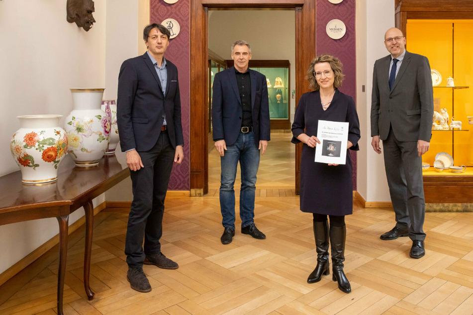 Gemeinsam für den Titel (v.l.): André Thieme (51) vom Schlösserland Sachsen, Manufaktur-Chef Tillmann Blaschke (57); Anja Hell (45), Geschäftsführerin Meissen Porzellan-Stiftung, und OB Olaf Raschke (58, parteilos).