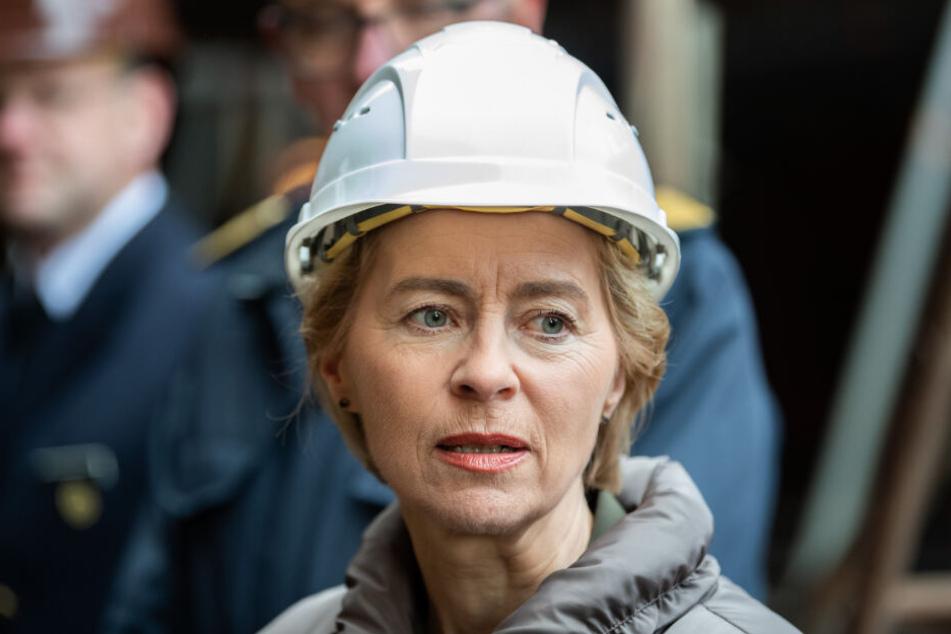 Verteidiungsministerin Ursula von der Leyen hat an dem Fall ordentlich zu knabbern.