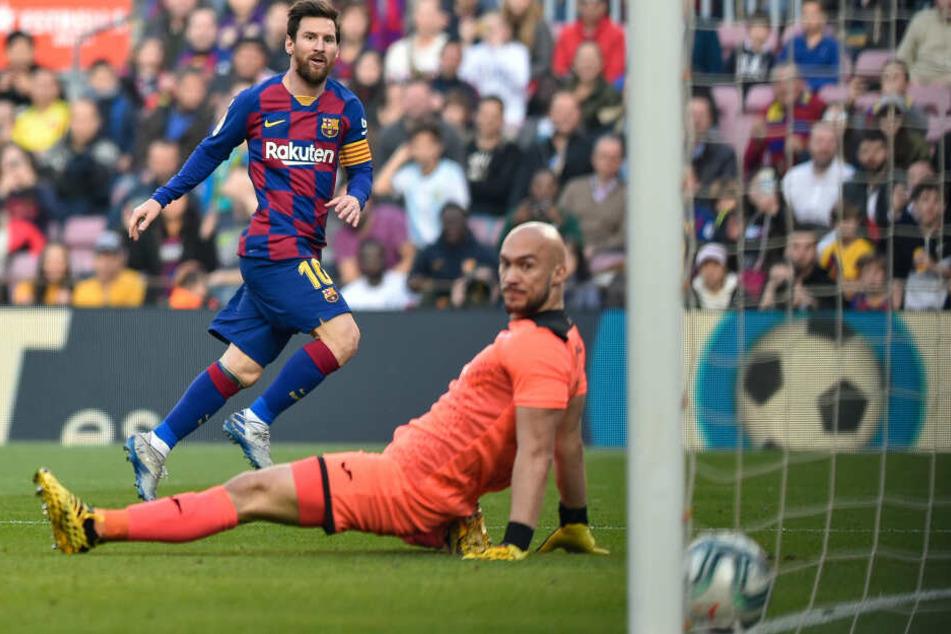 Lionel Messi erzielt das zweite Tor seiner Mannschaft.