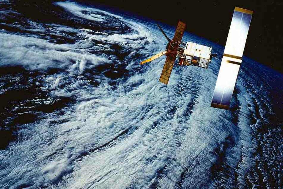 Mithilfe von Satelliten sollen die Wolken in der Atmosphäre verschoben werden.