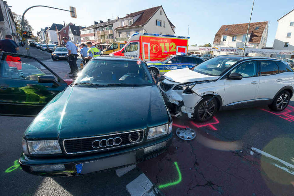 Der Peugeot fuhr allem Anschein nach über Rot.