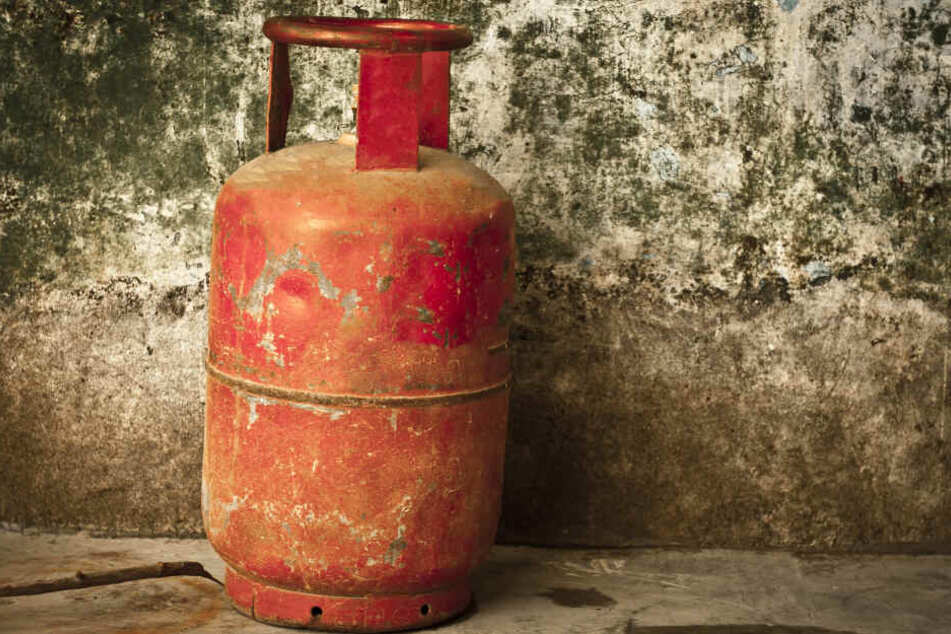 In einem Wohnhaus in Eschweiler explodierte eine Gasflasche (Symbolbild).