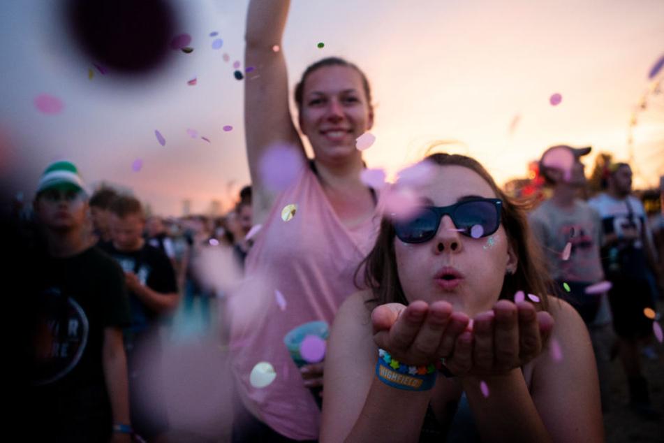 Egal ob Sonnenschein und Hitze oder Blitz und Donner - die Highfield-Besucher tanzten drei Tage auf dem ausverkauften Festival durch.
