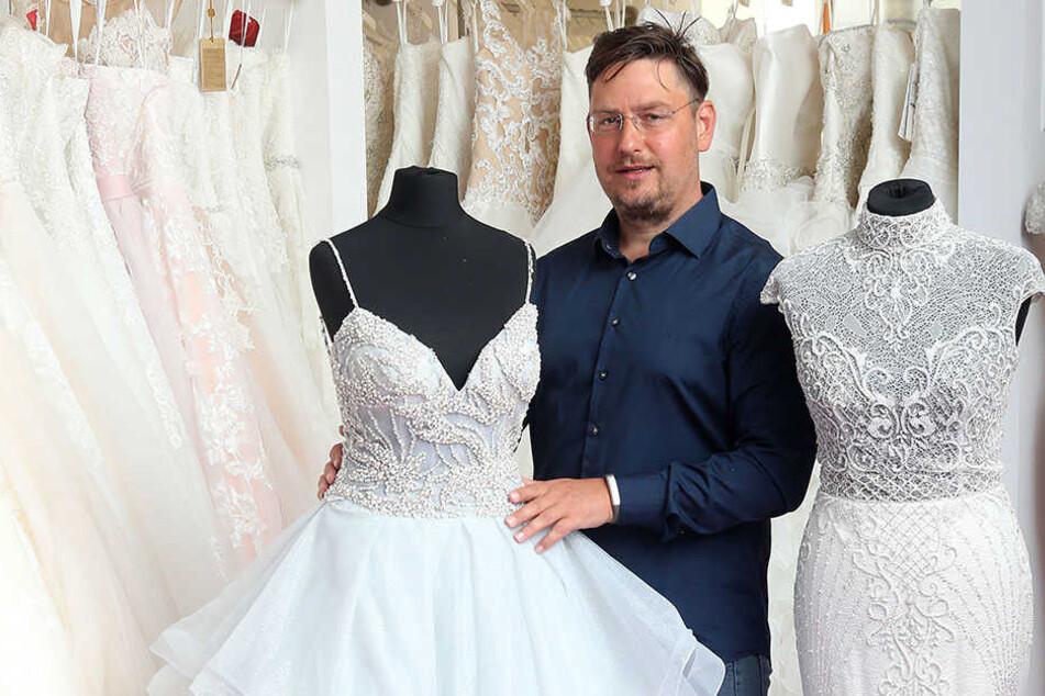 René Frank Georgi (43) konnte Miss Germany für die Chemnitzer Hochzeitsmesse gewinnen.