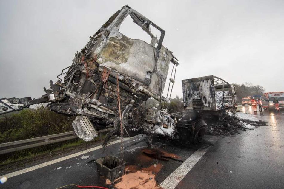 LKW-Brand auf A72: Vollsperrung und Mega-Stau