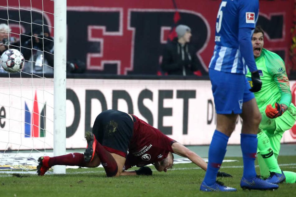 In der 42. Minute kostete Hanno Behrens' Treffer Hertha vorläufig die Führung.