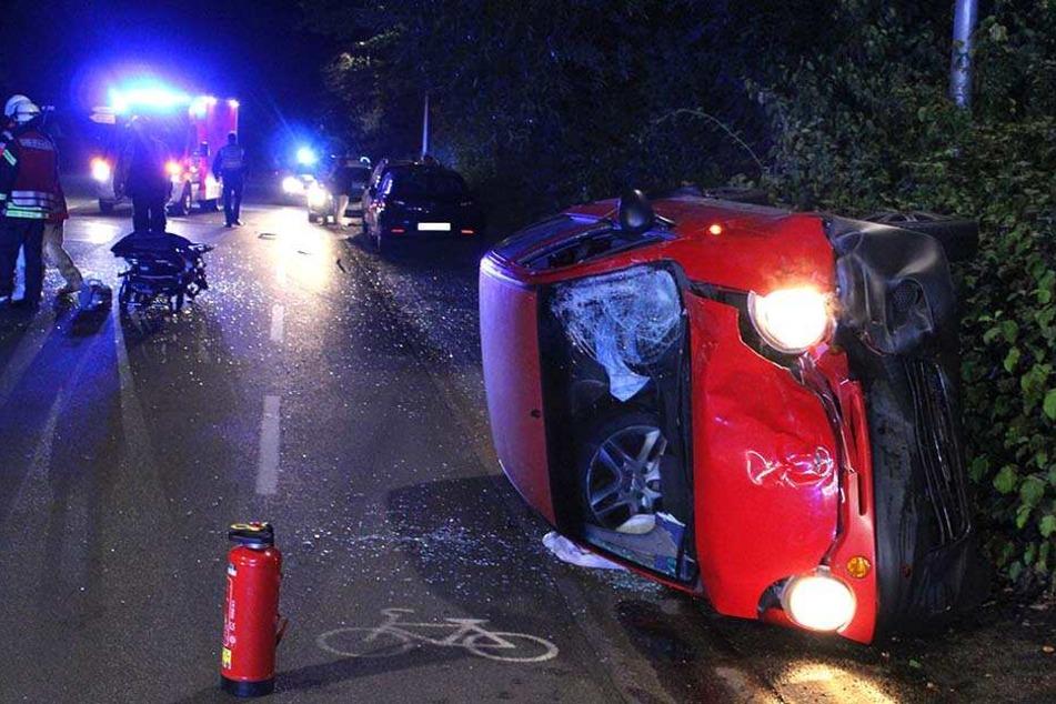 Der Daewoo kippte nach dem Crash auf die Seite.