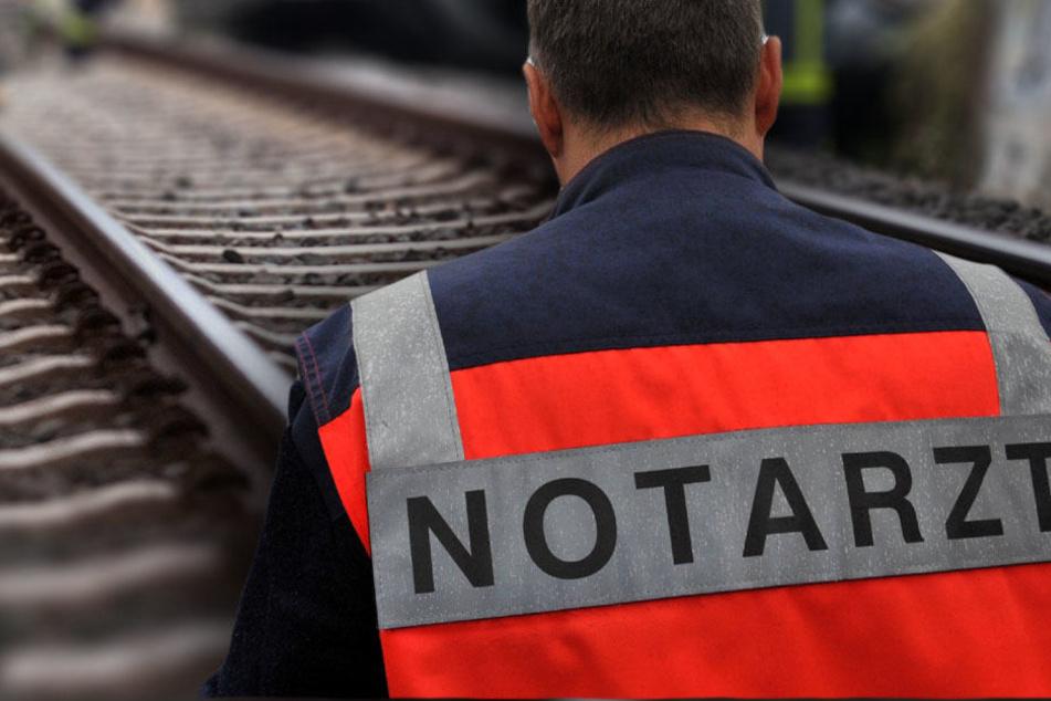 Gegen 15.00 Uhr wurde die Strecke nach Beendigung des Notarzt- und Polizeieinsatzes wieder freigegeben. (Bildmontage)
