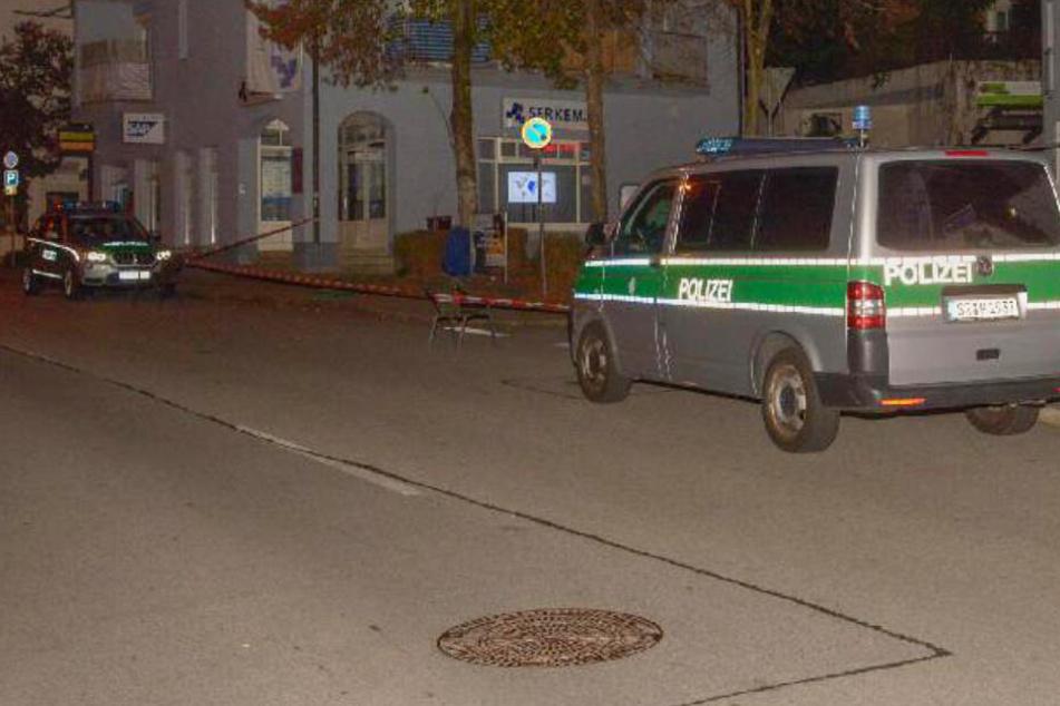 Horror-Tat! Mann stirbt auf Gehweg vor Pizzeria: Er wurde erstochen