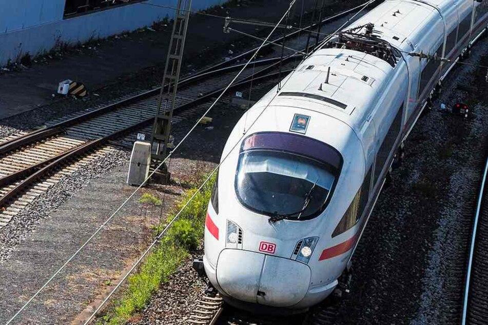 Die Gäste mussten den Zug wechseln (Symbolbild).