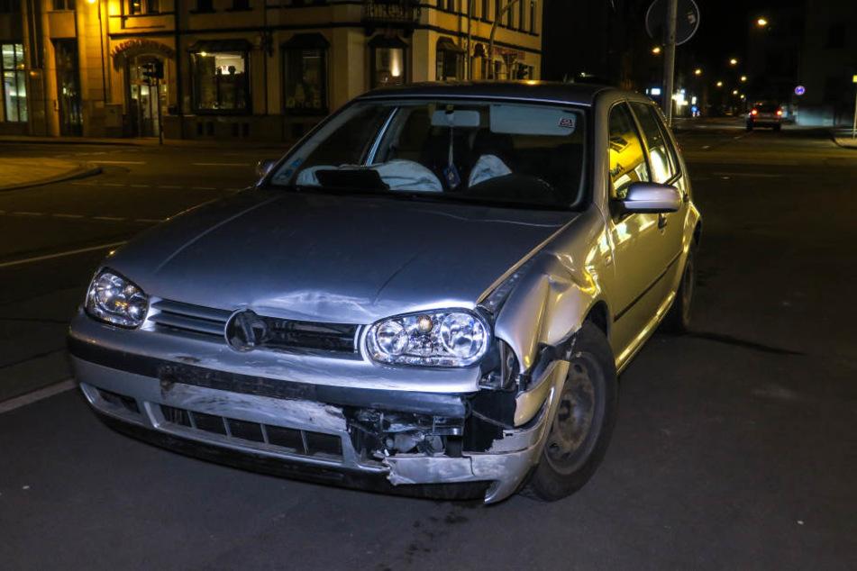 Der VW krachte dem Citroen ins Heck.