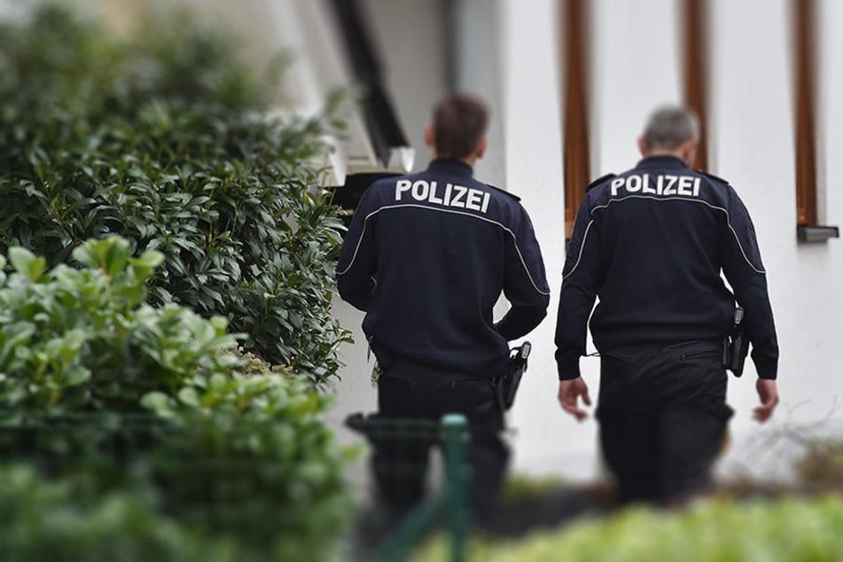 Nach einer Hausdurchsuchung ging der Polizei der Brandstifter ins Netz. (Symbolbild)