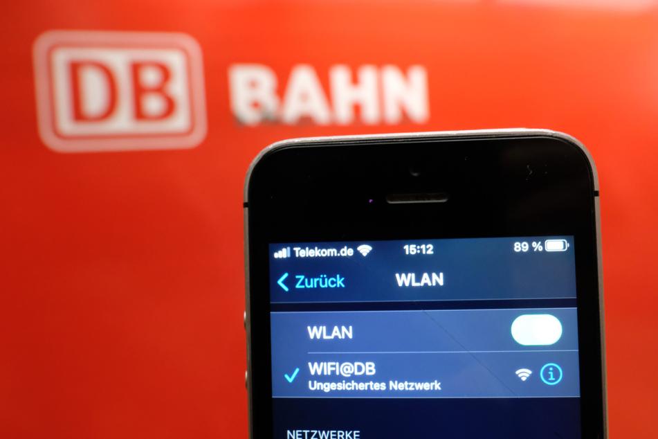 Im Großteil der bayerischen Bahnhöfe gibt es Gratis-WLAN. (Symbolbild)