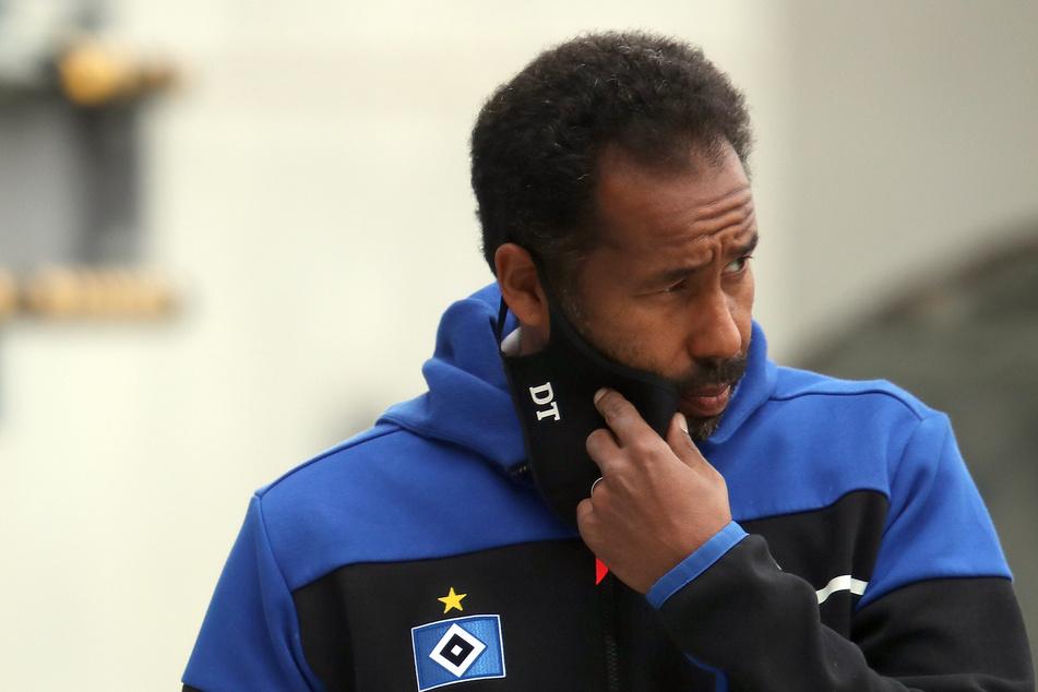 HSV-Trainer Daniel Thioune erwartet ein schweres Spiel bei Holstein Kiel.