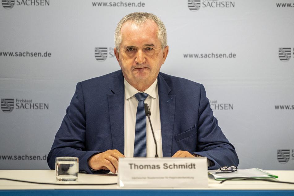 """Ein ausschlaggebender Punkt, warum die Entscheidung für Chemnitz fiel, sei laut Regionalminister Thomas Schmidt (60, CDU) der vom Energieunternehmen """"eins"""" beschlossene Braunkohle-Ausstieg ab 2023 gewesen."""