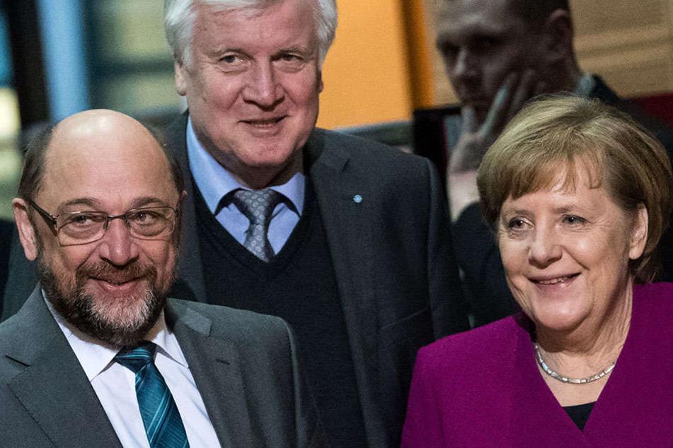 Die Parteispitzen um Schulz, Seehofer und Merkel werden wohl auch am Dienstag weiter verhandeln.