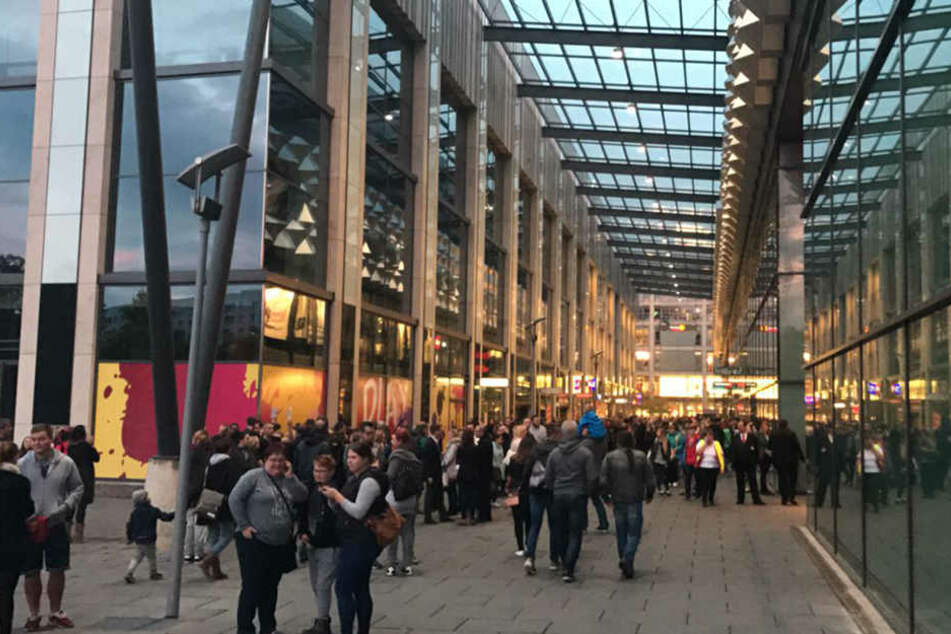 Schon wieder! Die Centrum-Galerie musste evakuiert werden.