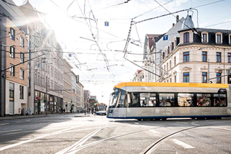 Eine XL-Tram auf der Strecke Gohlis-Stötteritz. Besonders auf der Linie 4 ist das Fahrgastaufkommen stark gestiegen.