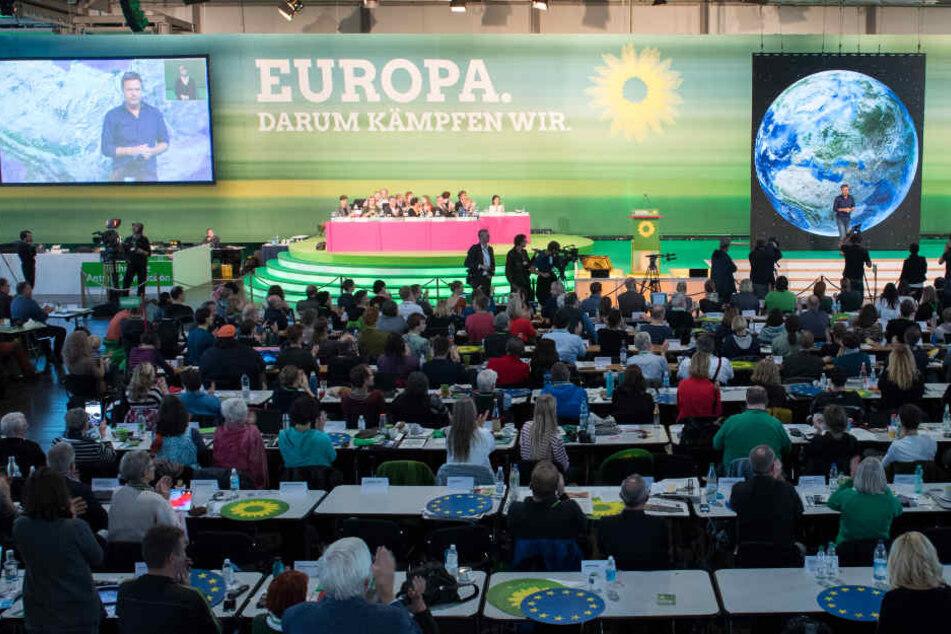 Im Mittelpunkt des Parteitages stand dieVerabschiedung des Europawahlprogramms und die Aufstellung der Bundesliste der Grünen für die Europawahl.