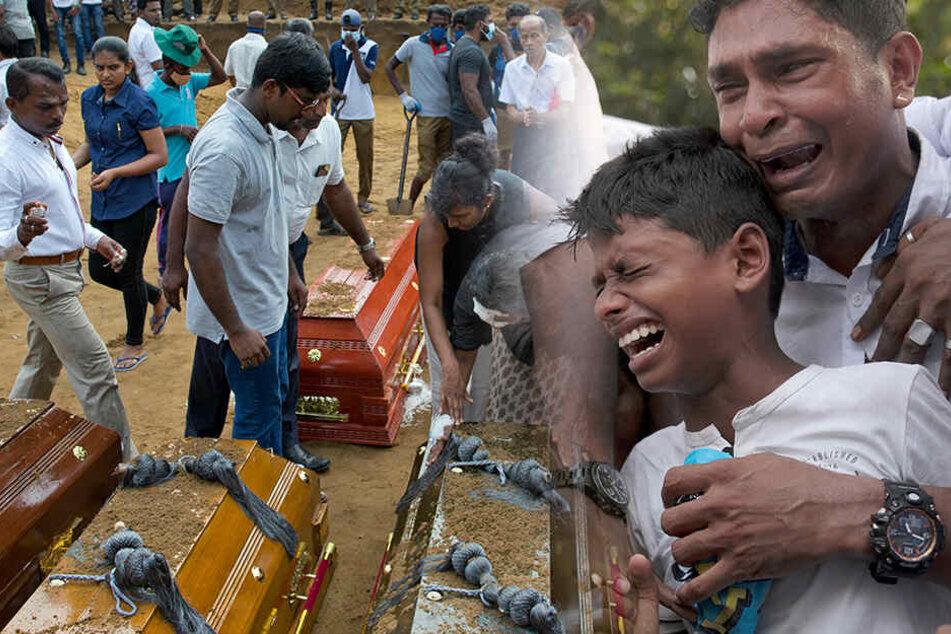 Oster-Anschläge in Sri Lanka: Zahl der Toten um mehr als 100 nach unten korrigiert!