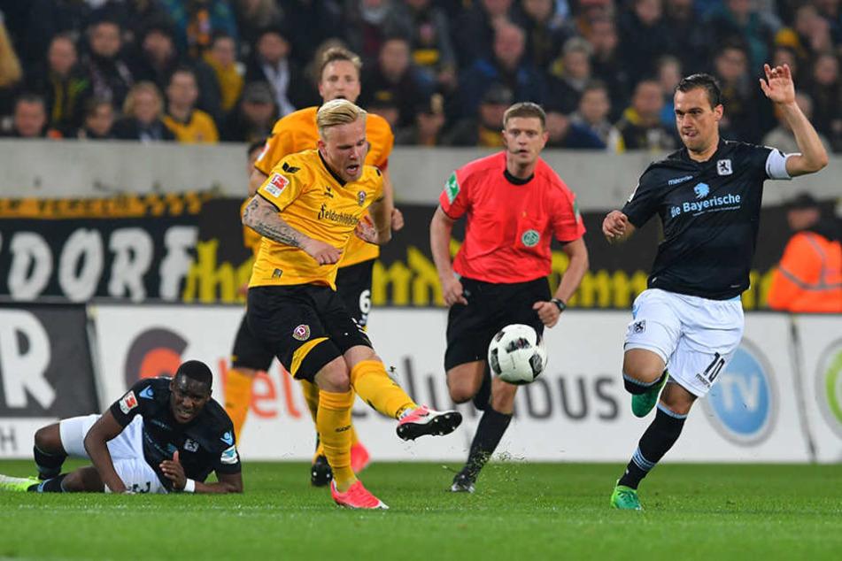 Marcel Hilßner (am Ball) zeigte wie hier gegen München schon ein paar gute  Ansätze.