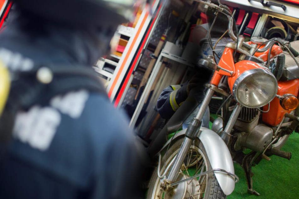 Vater und Sohn schweißen an Oldtimer-Moped, kurze Zeit später fackelt die Garage ab