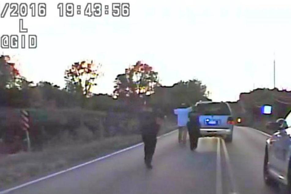 Ein Polizeivideo zeigt den Moment, als Terence C. erschossen wurde.