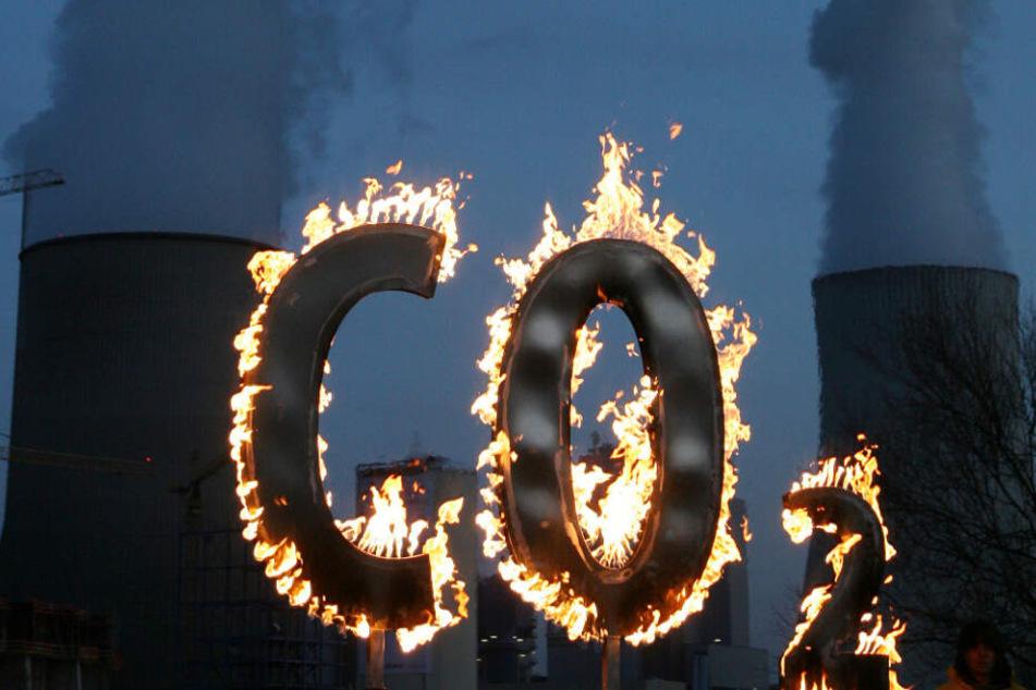 22 bis 22,9 Millionen Tonnen Kohlendioxid stößt das Bitcoin-Schürfen laut der Studie jedes Jahr in die Atmosphäre. (Symbolbild)