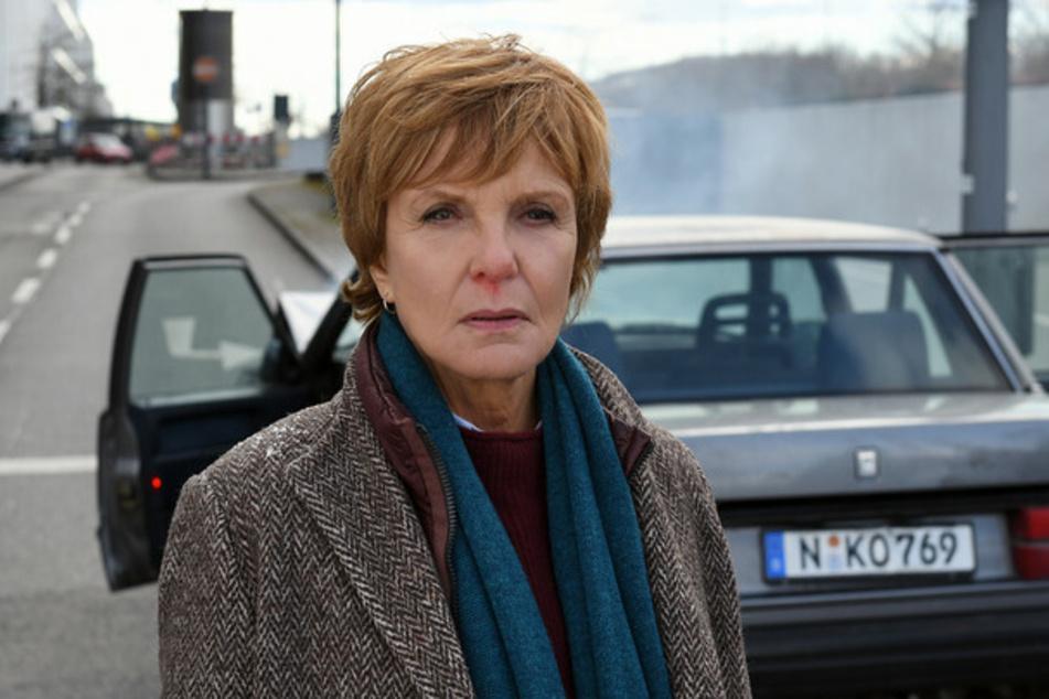 Kommissarin Lucas (Ulrike Kriener, 65) ermittelt ab sofort in Nürnberg und bekommt es sogleich mit einer Leiche im Kofferraum zu tun.