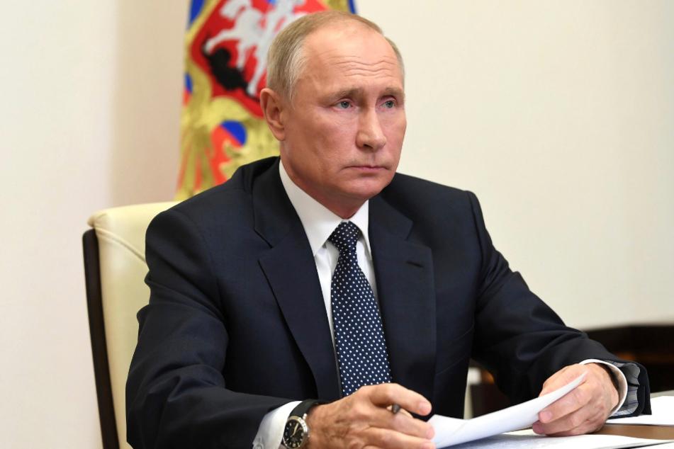 Wladimir Putin bei einer Videokonferenz zur russischen Friedensmission in Berg-Karabach.