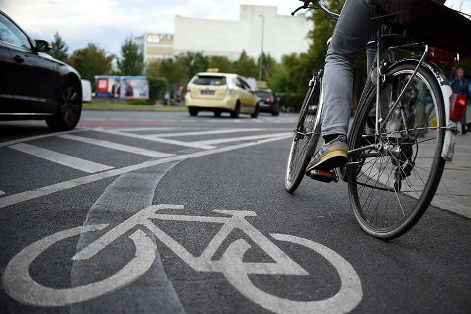 Fahrradfahrer leben in Berlin gefährlich. (Symbolbild)