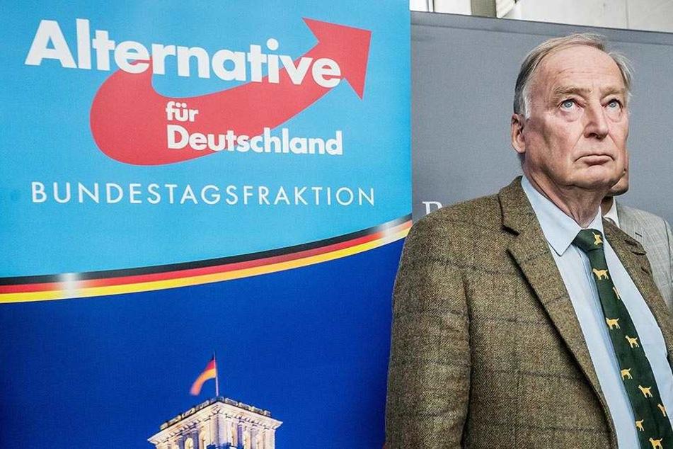 Alexander Gauland spricht vor Beginn der ersten Sitzung der AfD-Bundestagsfraktion am 26.09.2017 in Berlin im Bundestag.