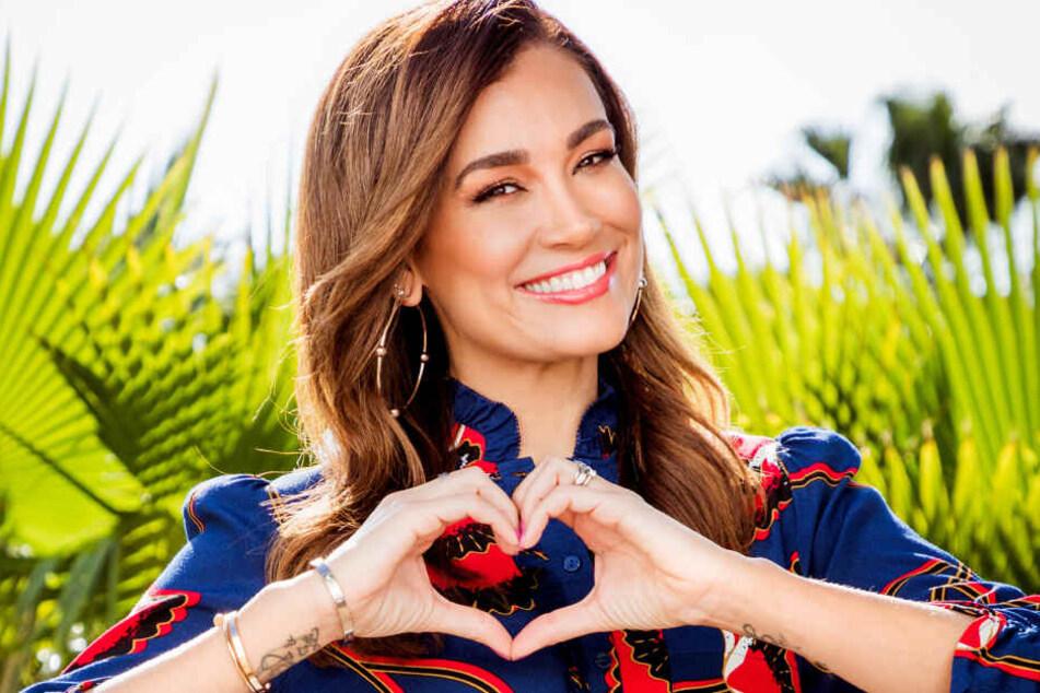 Jana Ina Zarrella wird wie schon die Staffeln zuvor die Show moderieren.