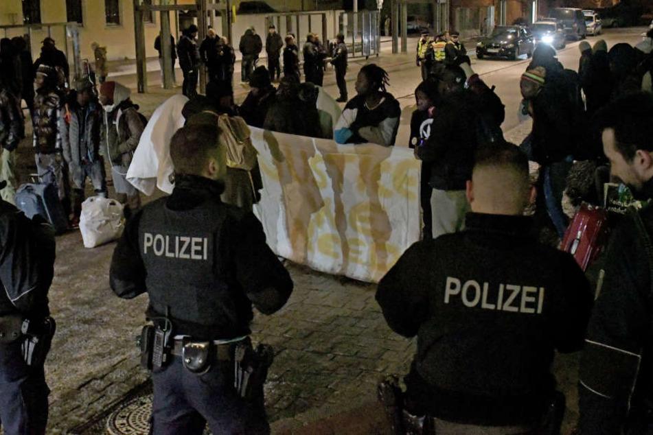 Die Polizeibeamte hatten die heftige Konfrontation nicht erwartet.