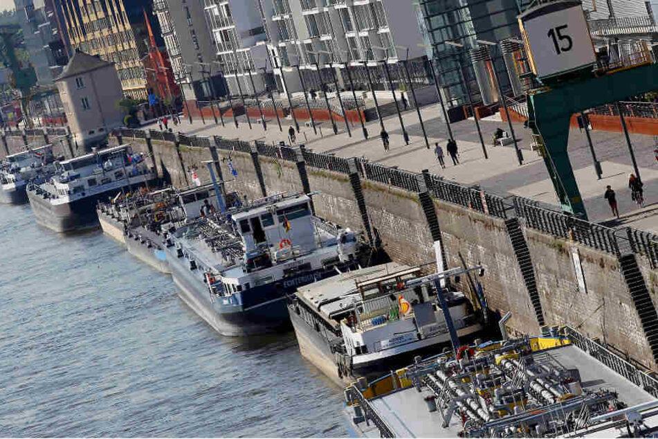 Die Binnenschiffer wollen, dass die Stadt für neue Anlegestellen am Hafen sorgt.