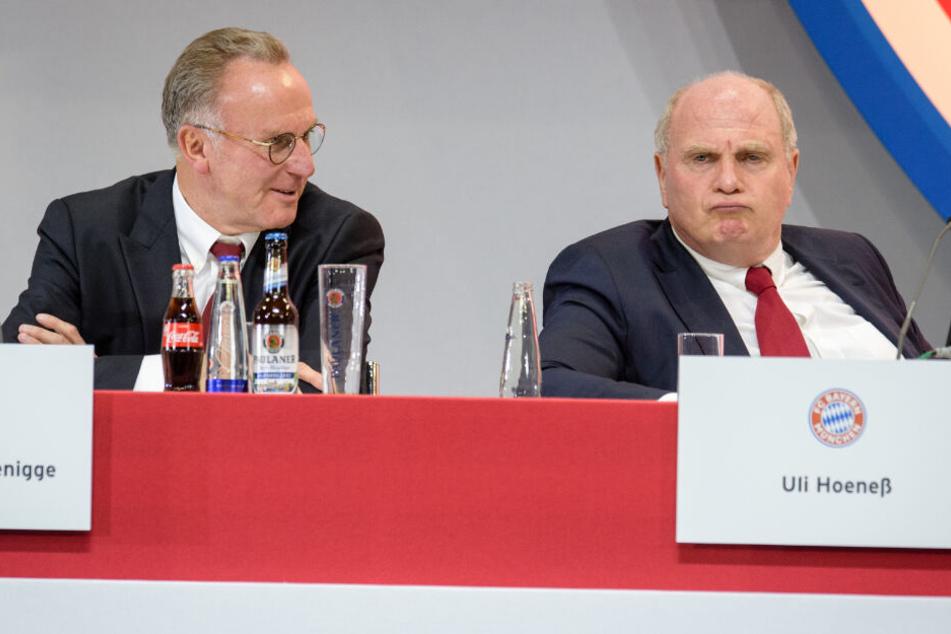 Karl-Heinz Rummenigge und Uli Hoeneß bei der Jahreshauptversammlung des Klubs.