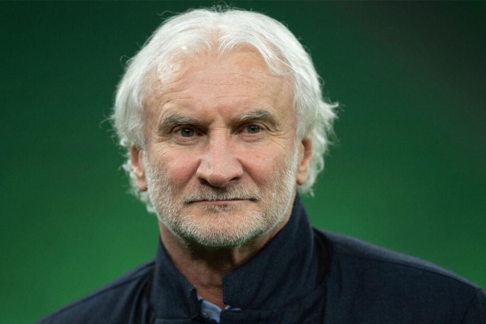 Geschäftsführer Sport Rudi Völler ist entschlossen. Der nächste Schritt der Bayer-Elf soll nun folgen.